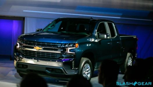 2019 Chevrolet Silverado adds tech, drops weight, snarks F-150