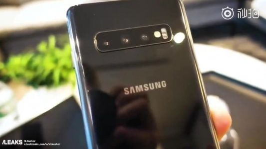Massive Samsung Galaxy S10 hands-on video leak reveals everything