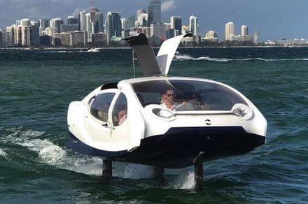 SeaBubbles' new electric hydrofoil boat is the aquatic equivalent of a Tesla