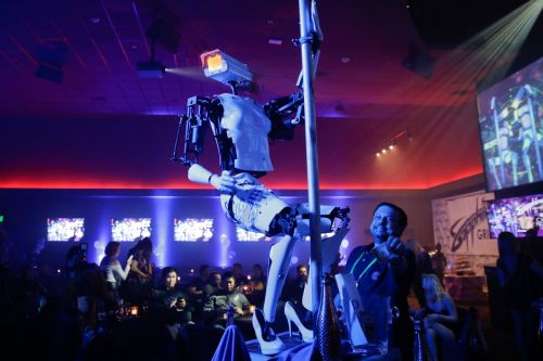 17 of the most bizarre photos from this year's CES tech industry trade show