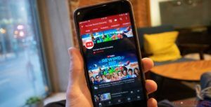 YouTube update lets you swipe through videos on the fly