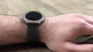 Guy builds a Pebble-like smartwatch with week-long battery life