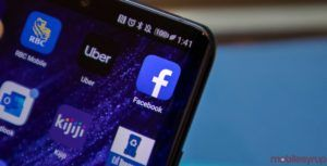 Facebook might be testing out its dark mode feature for Android, iOS apps