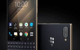 BlackBerry KEY2 LE brings its cheap QWERTY chops to Blighty