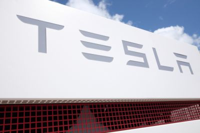 Tesla adds James Murdoch and Linda Johnson Rice to its board