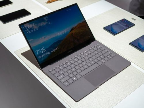 Does Samsung Galaxy Book S support LTE?