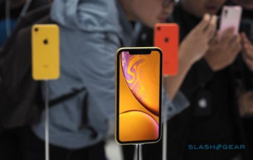 IPhone XR shipping slips past launch date