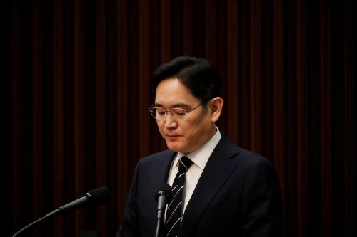 Prosecutors Want Samsung Group's Heir Jay Y. Lee's Arrested for Fraud and Merger Issues