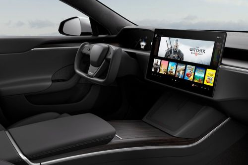 Tesla's new Model S will apparently play Witcher 3 on a built-in 10 teraflop gaming rig
