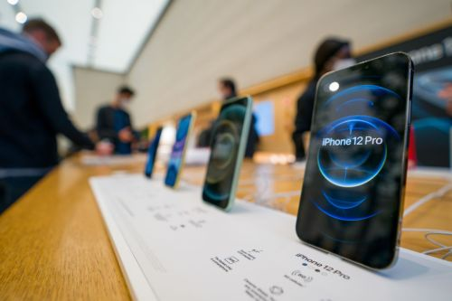 Apple Excluding Charger Lawsuit: China Sues Cupertino Giant For Selling iPhone 12 Pro Max Without Power Adapters