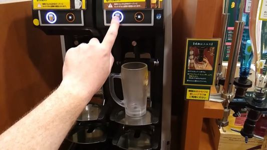 This Self Pouring Beer Machine Is The Future Of Bartending
