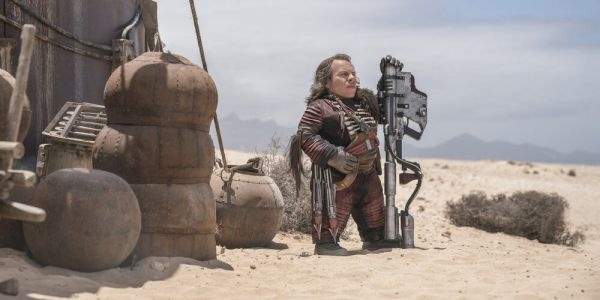 Warwick Davis Confirms Wicket Had a Child in THE RISE OF SKYWALKER and He Has an Idea for a Disney+ Series