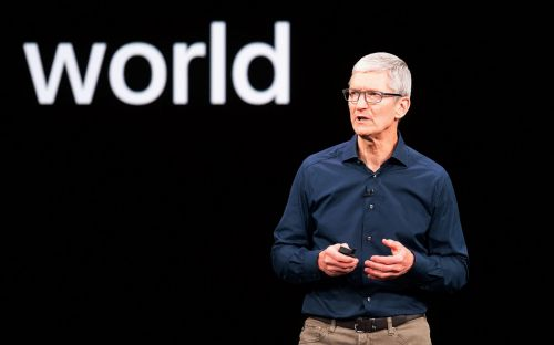 Apple boss Tim Cook attacks 'shadow economy' of data in call for new privacy law