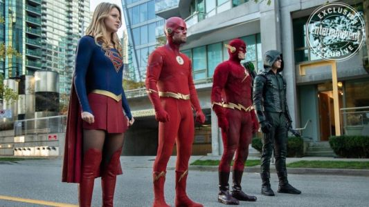 """Fun New Promo Image and Story Details Revealed For The Arrowverse """"Elseworlds"""" Crossover"""