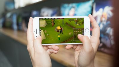 Classic MMORPG 'RuneScape' is coming to mobile devices