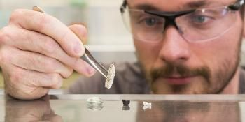 Shatter-Proof Mobile Phone Screens a Step Closer