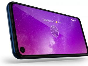 Motorola One Vision Has A 21:9 Hole-Punch Screen