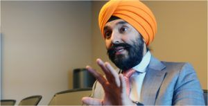 Innovation Minister orders CRTC with new directive to promote competition