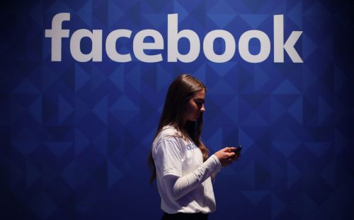 Facebook releasing 3,000 Russian-bought adverts to Congress