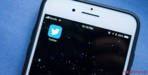 Twitter to allow users to view tweets in reverse chronological order again