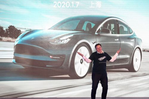 Tesla launches $2 billion stock offering after Elon Musk said 'it doesn't make sense'