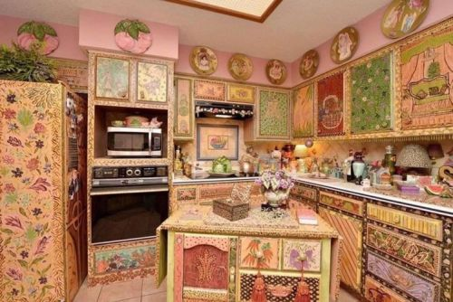 These crazy interior decor disasters will leave you cringing