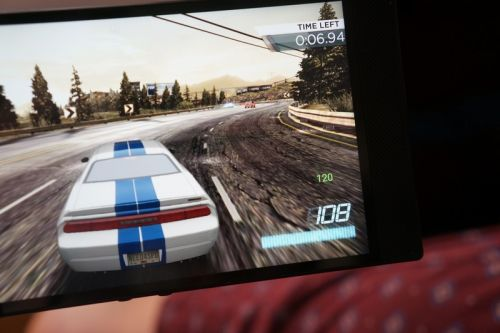 This is how to enable the screen FPS counter on the Razer Phone 2