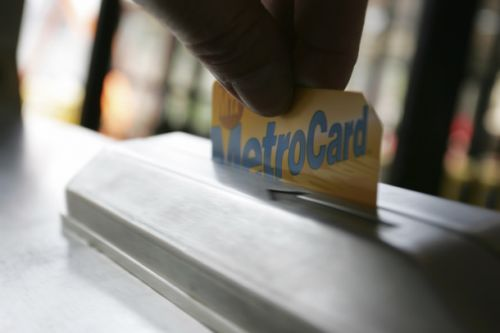 Subway riders, rejoice: NYC is finally killing off the MetroCard in 2023