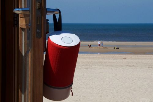 Libratone's affordable Zipp and Zipp Mini speakers now support AirPlay 2