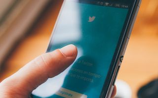 Twitter urges all users to change their password after bug discovered
