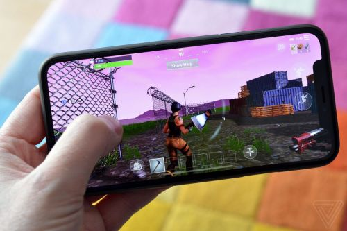 Fortnite on an iPhone X is an exciting look at the future of mobile gaming