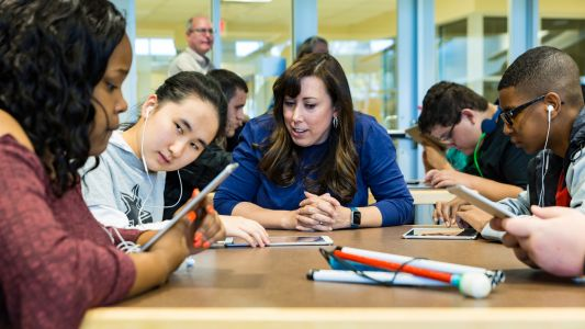 Apple makes coding curriculum accessible for deaf and blind students