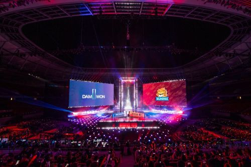 Watch the AR concert that opened up the 2020 League of Legends World Championship