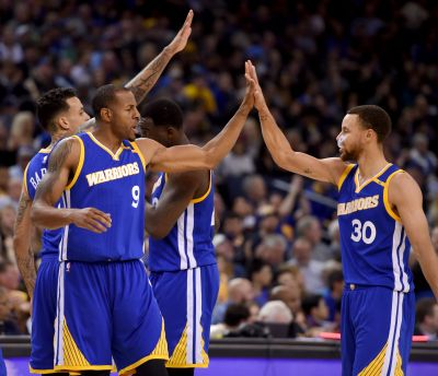 Steph Curry, Andre Iguodala launch sports-related venture capital summit