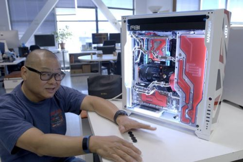 Watch us unbox Maingear's F131, a glorious hot rod of a gaming rig
