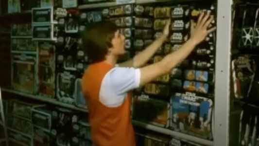 Vintage 1980s News Broadcast From Toys R Us Focuses on STAR WARS Toys