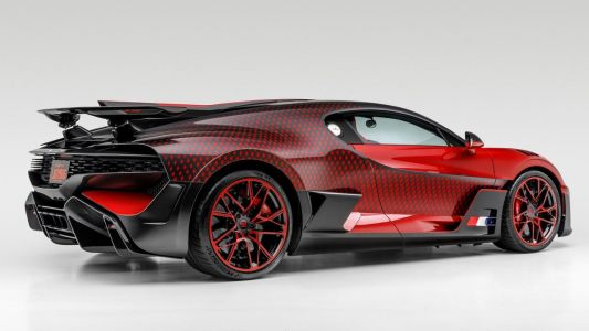 This Bugatti Divo Lady Bug's geometric paint job is truly one-of-a-kind