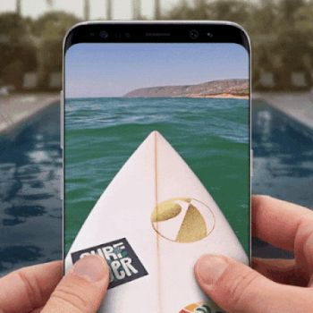 This is the Samsung Galaxy S8. A completely immersive screen