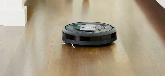 The iRobot Roomba E5 Is Back To Its Black Friday Price Of $279