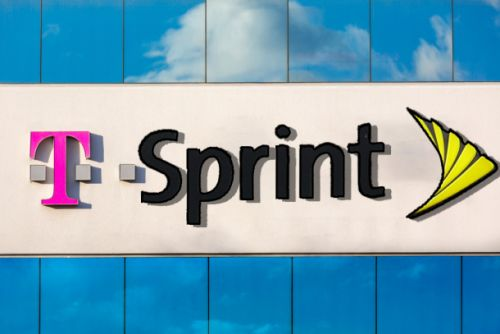 The DoJ's corruption investigation of Verizon and AT&T could save us from a Sprint-T-Mobile merger