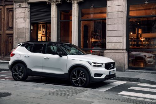 California dealers try to stop Volvo's car subscription service