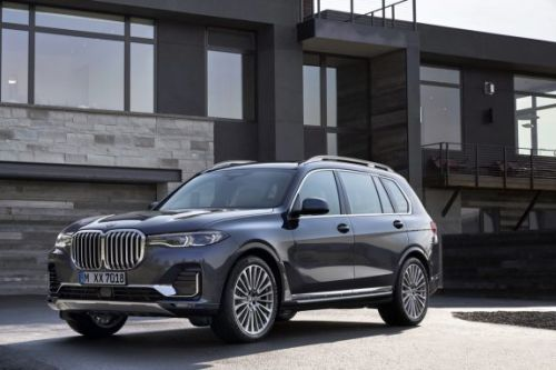 The 2019 BMW X7 is big, brash, and full of the latest tech