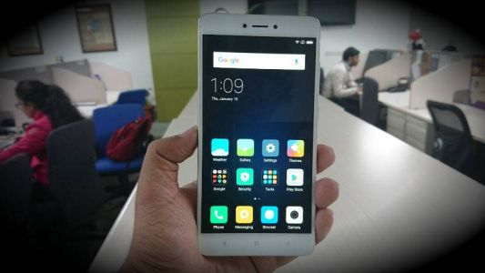 New update for the Xiaomi MIUI 9 with Notification Shade on Redmi Note 4