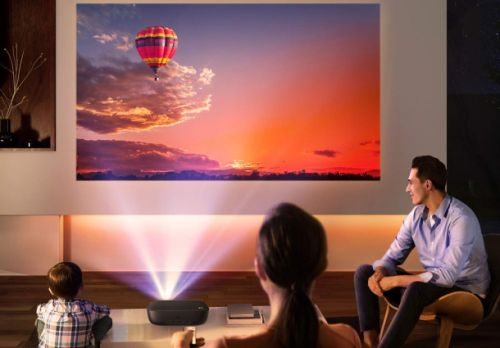 $60 mini projector turns your smartphone into a portable home theater
