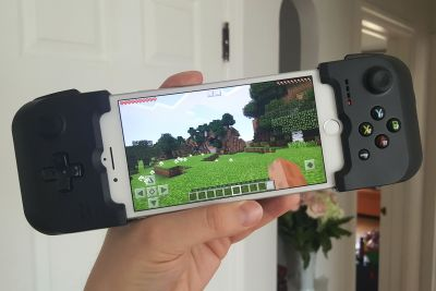 The Gamevice turns your iPhone 7 into a handheld game console