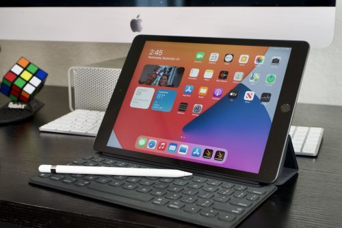 IPad review: It's got a faster processor, and that's all