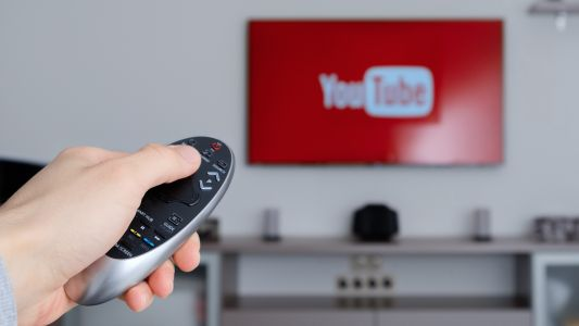 1 in 3 Indians watch online videos, usually in Hindi, says Google