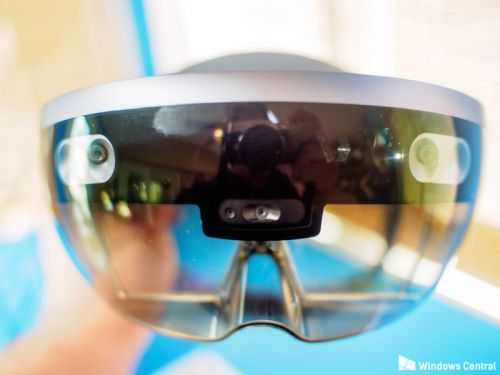 Microsoft hit with patent infringement suit over HoloLens tech