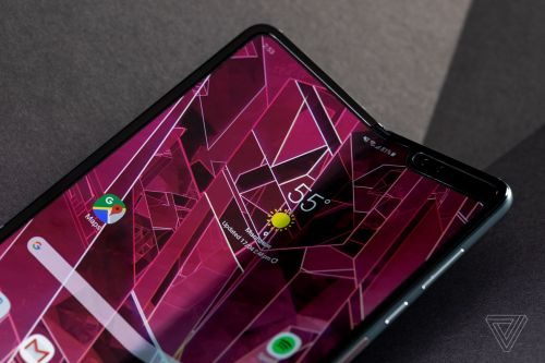 AT&T is the latest to cancel Galaxy Fold preorders