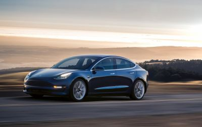 Tesla is getting 1,800 Model 3 reservations per day
